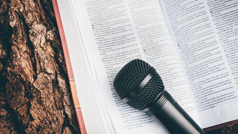 learnign-english-music-book-mic